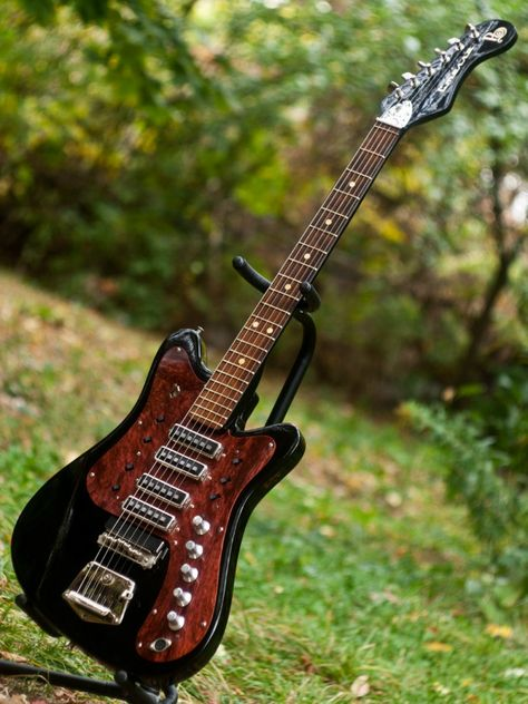 Rare vintage USSR Soviet STEREO electric guitar STELLA Turtleshell pickguard - Amazing looking thing.
