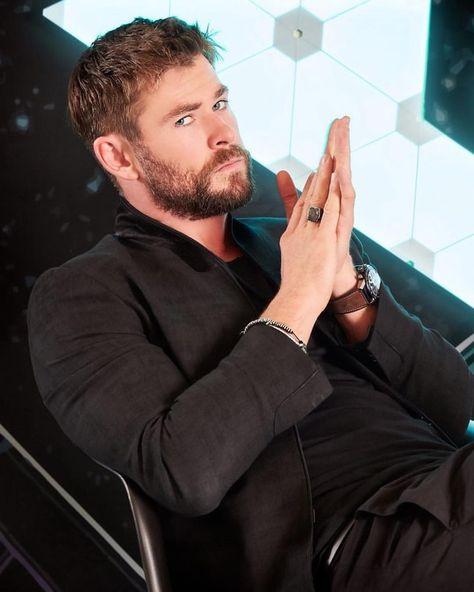 "Chris Hemsworth Diaries na Instagramie: ""#henrycavill #henrycavıll #superman #manofsteel #batman #batmanvsuperman #dcuniverse #marvel #aquaman #theflash #suicidesquad #harleyquinn…"""