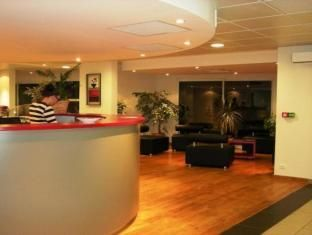 Ibis Styles Toulouse Blagnac Aeroport Hotel A Blagnac In 2020 Hotel Home Home Decor