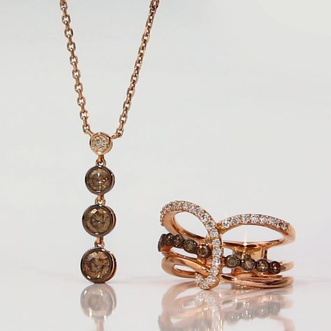 This Le Vian® Chocolate Sprinkles™ necklace features the Milestones™ trend with a triple drop of Chocolate Diamonds® that graduate in size.