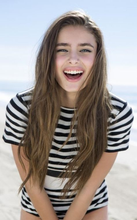 Taylor Hill is just beautiful, I hope to see more of her in 2015!