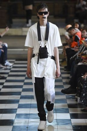 See all the Collection photos from Matthew Miller Spring/Summer 2018 Menswear now on British Vogue