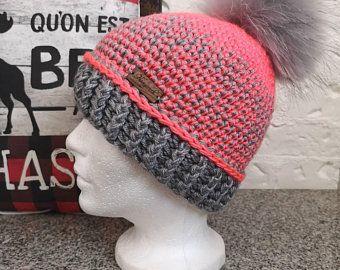 Ensemble Au Crochet Modele Le Beauty Avec Pompon Fourrure Kit With