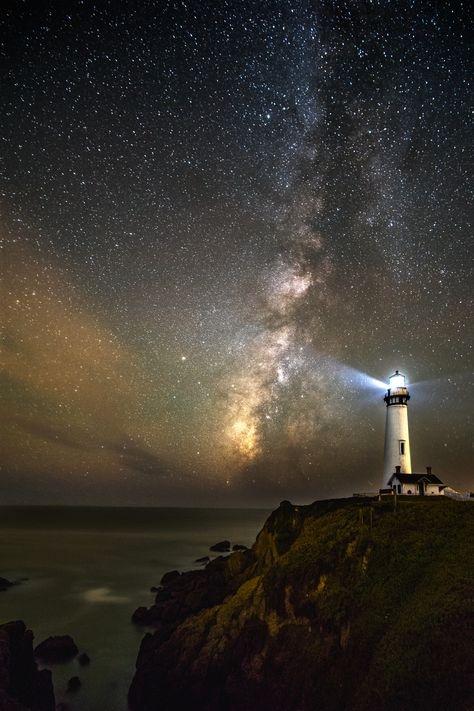 Pigeon Point Lighthouse and the Milky Way [OC] wallpaper/ background for iPad mini/ air/ 2 / pro/ laptop Ipad Mini Wallpaper, Beautiful Places, Beautiful Pictures, Lighthouse Painting, Lighthouse Pictures, Stonehenge, Milky Way, Nature Pictures, Architecture