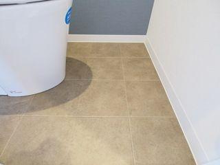 トイレの床材はサンゲツのクッションフロア Hm1083 トイレ