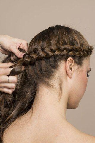 Silvester Frisuren Geflochten Jennifer Morrison Fischzopf Kranz Hairstyles Hair Geflochtene Frisuren Flechtfrisuren Geflochtene Frisuren Fur Kurze Haare