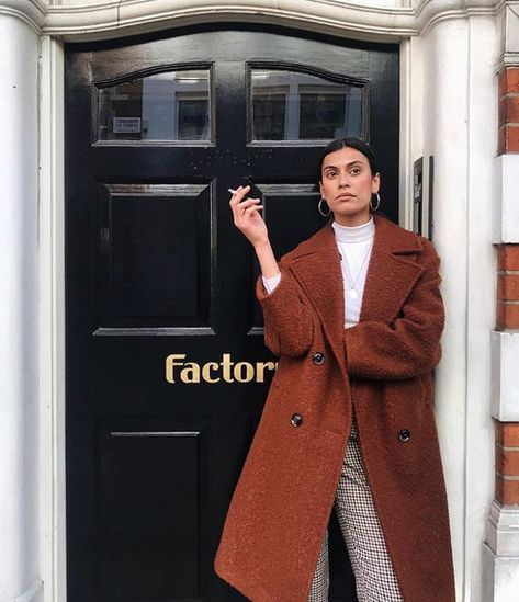 Topshop Personal Stylist Lison Valente Has the Best Style High Street Fashion, Street Style, Fall Winter Outfits, Winter Fashion, Summer Winter, Noora Style, Mode Mantel, Fashion Outfits, Womens Fashion