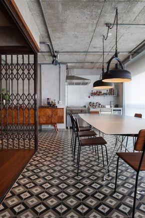 O Estilo Industrial Da O Tom Neste Apartamento De 147 M Em Sao Paulo Refeitorios Industriais Design De Interiores Industrial Projeto De Loft