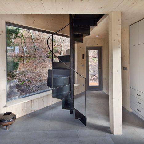 Six-sided timber cabin by ALT Architekti