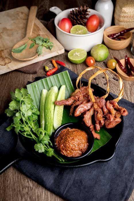 อาหารไทยพ นบ านโบราณ หม ร อยตรอก ซ โครงหม การถ ายภาพอาหาร ภาพอาหาร