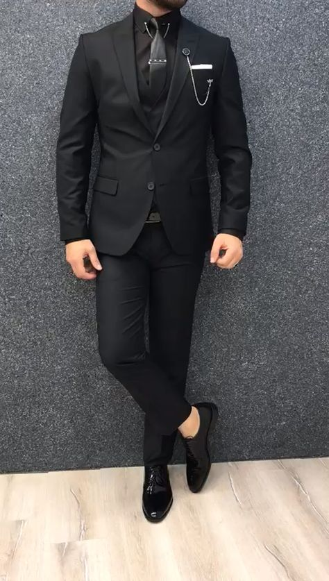GentWith Kenzie Black Slim Fit Wool Suit