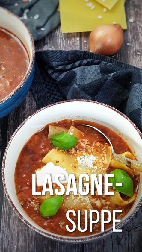 Diese einfache Lasagne Suppe bietet alles, was wir an Lasagne lieben, in einer Schüssel! Alle traditionellen Lasagne-Aromen vereinen sich in dieser köstlichen Suppe. Einfach gemacht, schnell und lecker steht dieses leckere One Pot Gericht nach 30 Minuten auf dem Tisch. #suppe #onepot #lasagnesuppe #kinderessen #kochen #einfach #wenigzutaten #gesund #rezepte #lydiasfoodblog