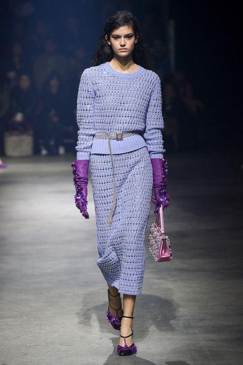 Die komplette Kenzo Herbst 2018 Ready-to-Wear-Modenschau auf Vogue Runway.