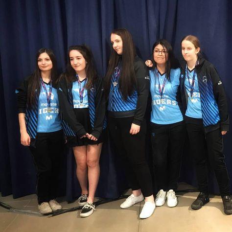 Nuestras  MovistarRidersBlue💙  se han clasificado como terceras de Europa en el @girlgamer Esports Festival. ¡Vaaamoooos! Estamos orgullosos 🤩. . .  SomosMovistarRiders💙  girlgamer  eSports  GirlGamerFestival  GirlGamerFest2019  girlgamerglobal  GirlGamerMadrid  LogitechG  PlayAdvanced  mettasport  growupesports  astro  DominosPizza