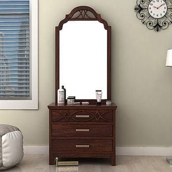 The Gorgeous Allan Dressing Table Is Apt Furntiure Unit To Elevate The Decor Of Dressing Table Design Dressing Table Mirror Design Traditional Dressing Tables