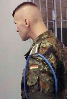 Pin By Lederhosen On Cabello Soldier Haircut Men S Short Hair Military Hair