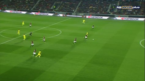 Cédric Bakambu scores against Sparta Praha (0-1)