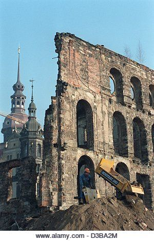 Dpa Files A View Of The Ruins Of The Taschenberg Palais In The City Centre Of Dresden Eastern Germany 21 December Stock Image Dresden Germany City