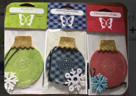 Scentsy scent circles decorated/themed for winter Michael S, Foam Crafts, Craft Foam, Craft Kits, Holiday Crafts, Teacher Gifts, Diy Gifts, Christmas Cards, Christmas Booth