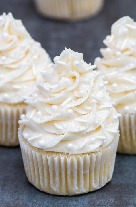 This the best vanilla cupcakes recipe! Super moist, light and full of flavor. Su… This the best vanilla cupcakes recipe! Best Vanilla Cupcake Recipe, White Cupcake Recipes, Simple Cupcake Recipe, Moist Vanilla Cupcakes, Wedding Cupcake Recipes, Vanilla Cupcake Frosting, Chocolate Cupcake Recipes, Strawberry Frosting Recipes, Baking Recipes Cupcakes