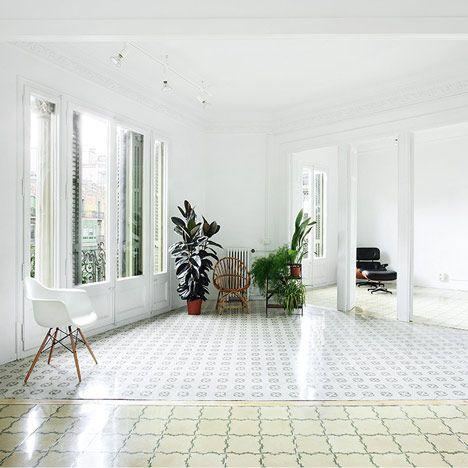 Floor Tiles In Barcelona Apartments Slideshow   By Arquitectura G
