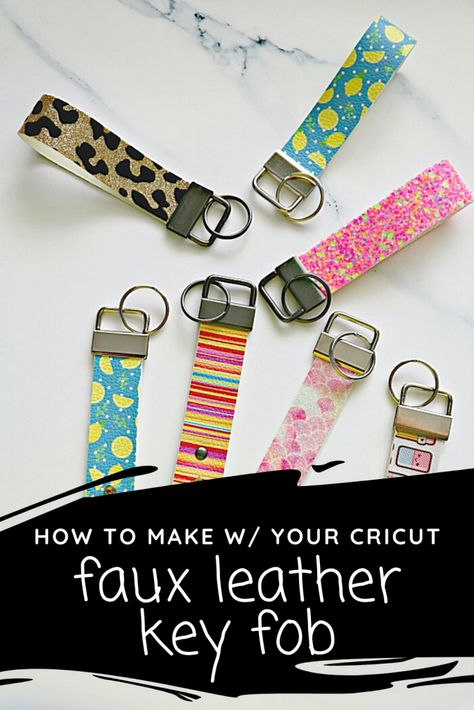 Diy Leather Projects, Leather Diy Crafts, Leather Gifts, Leather Craft, Diy Keychain, Diy Leather Keychain, Keychain Design, How To Make Leather, Key Fobs