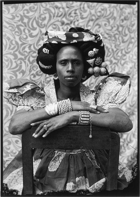 Seydou Keita: Untitled #313 (2002.217) | Heilbrunn Timeline of Art History | The Metropolitan Museum of Art
