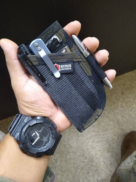 sporting new edc pocket organizer from recycled firefighter Urban Survival Kit, Fire Crafts, Survival Skills, Survival Bags, Edc Wallet, Edc Gadgets, Edc Tactical, Pocket Organizer, Edc Everyday Carry