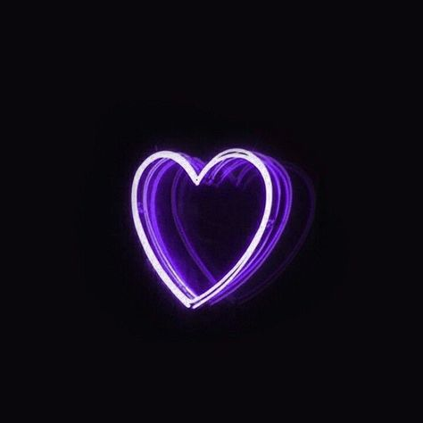 purple aesthetic theme people try to insult me but im so used to sucking it doesnt even hurt anymore # Dark Purple Aesthetic, Violet Aesthetic, Lavender Aesthetic, Neon Aesthetic, Bad Girl Aesthetic, Purple Wallpaper Iphone, Aesthetic Iphone Wallpaper, Aesthetic Wallpapers, Black Wallpaper