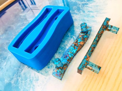 Epoxy Resin Art, Diy Epoxy, Resin Molds, Silicone Molds, Diy Resin Mold, Resin Pour, Diy Resin Tray, Diy Resin Crafts, Diy Crafts For Kids
