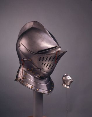 Close helmet. English, about 1580