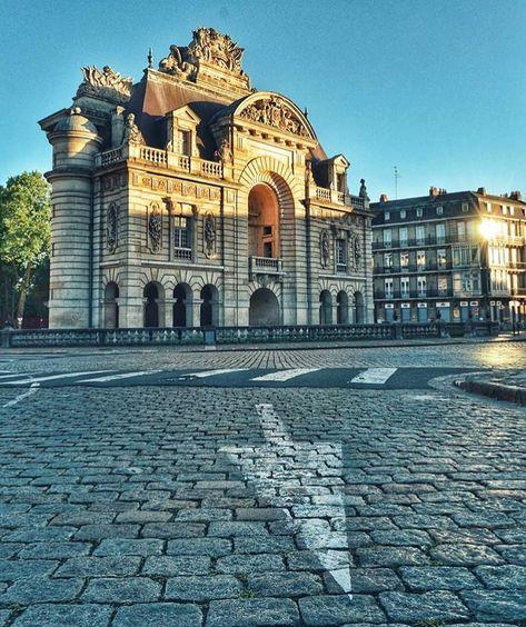 Lille Ma Ville On Instagram L Instant Lillois Du Lundi Lille Porte De Paris Mariiew Suivez Lillemavill Porte Paris Lille Lille Ville