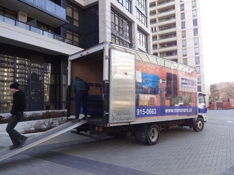 crew Toronto moving service, clean...