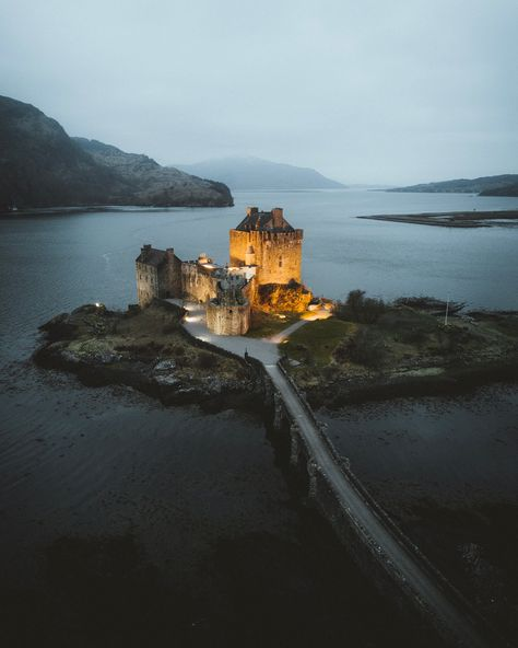 """VOYAGED by 9GAG on Instagram: """"@lichterfang has been to Scotland recently and shows you here the unique and raw landscapes of the Scottish highlands. 🏴 — 📍#Scotland…"""""""
