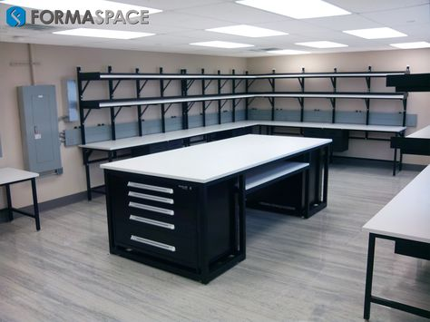 White House Electronics Repair Station | FORMASPACE | This repair station is located within the White House to be utilized for various electronic or mechanical repairing tasks.