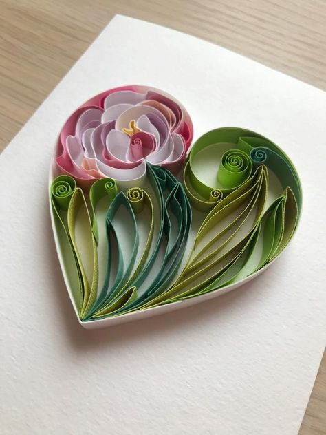 Quilling Peony Tutorial - How to make paper flowers - Video tutorial Neli Quilling, Quilled Roses, Quilling Comb, Quilling Paper Craft, Paper Crafts Origami, Quilling Flowers, Quilling Ideas, Paper Crafting, Quilling Flower Designs