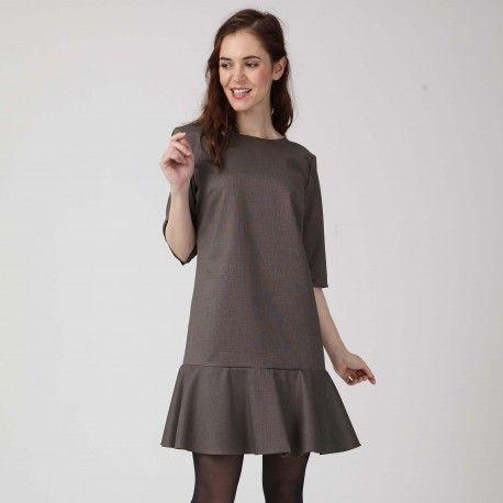 Patron De La Robe Alexandra Robe Courte A Volant Par Coralie Bijasson Robe Patron Idees De Mode Idees Vestimentaires