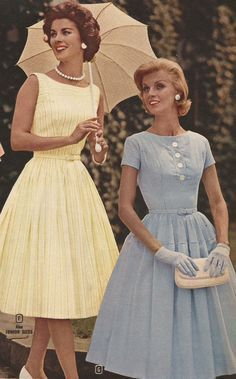 From the 1960 Spring and Summer Montgomery Ward catalog. Description from carlah. - From the 1960 Spring and Summer Montgomery Ward catalog. Description from carlahoag. Moda Vintage, Vintage Mode, Vintage Style, 50s Vintage, Vestidos Color Pastel, Decades Fashion, Fashion Through The Decades, Evening Dress Long, Vintage Outfits