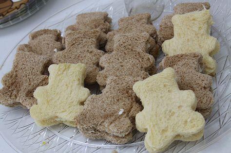 Teddy Bear Picnic Toddler Lunch Menu - Teddy sandwiches!
