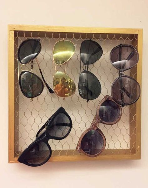 Great way to organize sunglasses. Love all the ideas for chicken wire on this sight. #DIYHSH #DIYHomeSweetHome #DIY #Tutorials #Farmhouse #HomeDecor #ForTheHome Farmhouse Home Decor  DIYHSH DIY Home Sweet Home DIY Tutorials