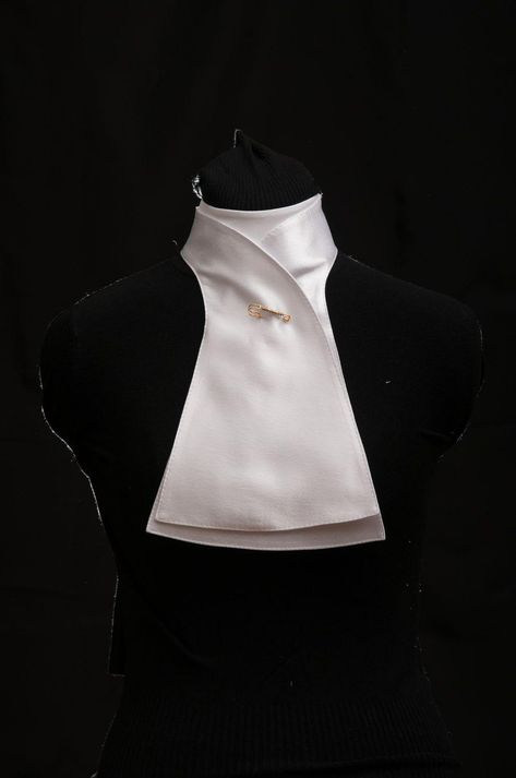Dressage stock tie from SVLUX equestrian sportswear. #horseridingstyle,equestrianfashion,equestrianlifestyle,equestrianclothing,horseridinggear,horseridingclothes,horsebackriding,horseridinglessons,horsejumping,horsesupplies,horsetraining,horseaccessories