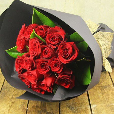 Buy Red Rumba Sydney Metro Only For 59 95 These Racy Red Roses Deserve A Stage All Of Their Own Teamed With Fresh Greenery And Presented In A Smart Black