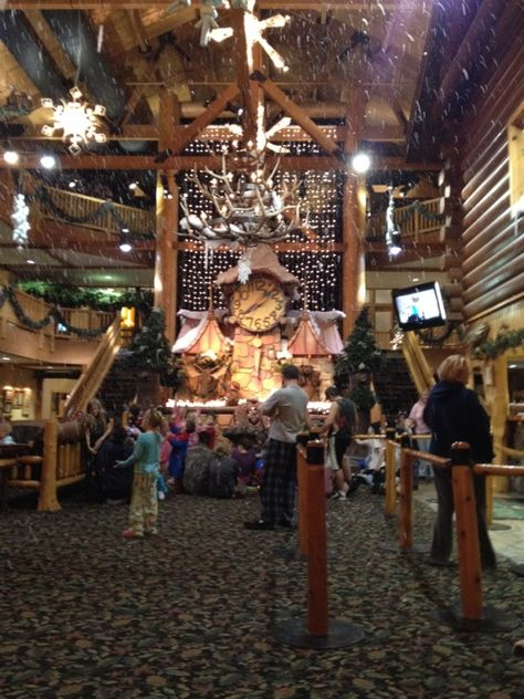 Great Wolf Lodge Story Time in Traverse City, MI