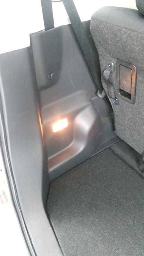 ルーミーm900aラゲッジルームランプ外し方 ばらし方法 車ばらし Com 2021 ルーミー