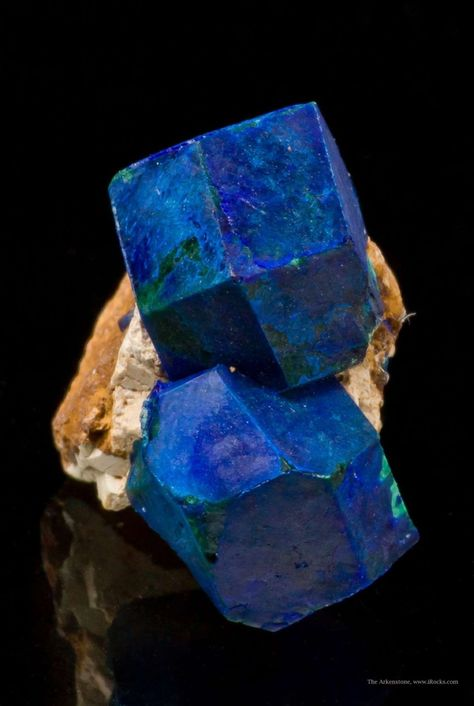 Azurite ps. after Cuprite, Chessy copper mines, Chessy-les-Mines, Rhone-Alpes, France Thumbnail, 1.4 x 1.3 x 0.8 cm