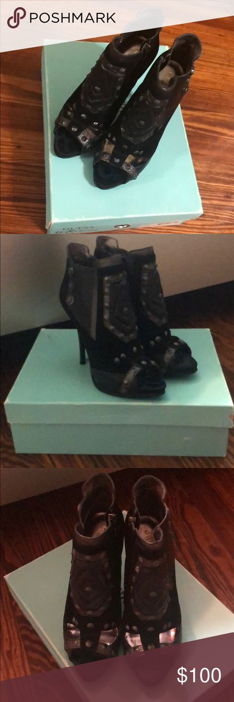 Guess by Marciano Size 8 Ankle Boots Guess by Marciano Symone ankle boots only worn once. Come with box. Guess by Marciano Shoes Ankle Boots & Booties