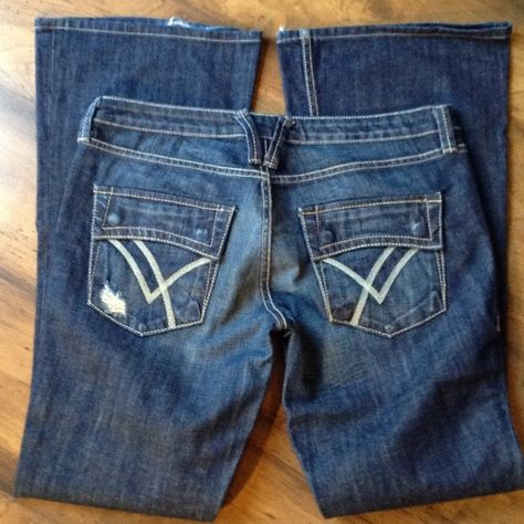 "William Rast Belle Flare Jeans 31 x 34 Excellent Pre Loved Condition. The only wear is from factory distressing! These jeans are comfy and fit like a dream! Waist 17""  with an 8"" Rise!  Inseam is 34"". Cheaper on ♍️️️️erc ari William Rast Jeans Flare & Wide Leg"