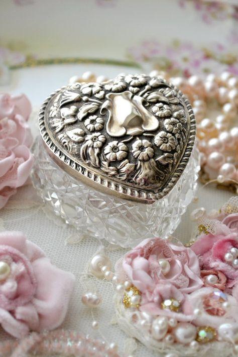 Trinket box Shabby Chic metal jewelry Vintage jewels peach flowers misc trinkets box gift boxes Vintage distressed green mint green handmade