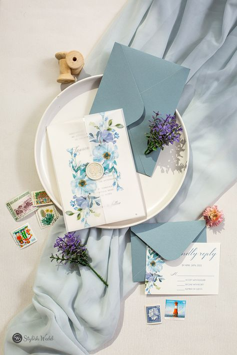 french blue and periwinkle watercolor flower wedding invitations with vellum paper pockets SWPI037 #wedding #weddinginvitations#stylishwedd #stylishweddinvitations #vellumweddinginvitations