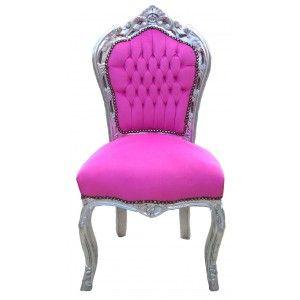 Cette chaise possède un très beau tissu en velours de coton rose d'un confort impeccable, clouté et la dorure argentée est à la feuille.